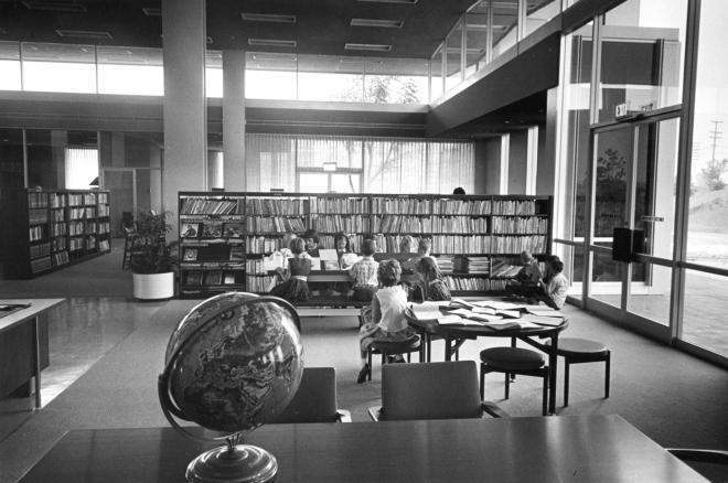 Fullerton Public Library, Hunt 13